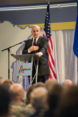 Minn. Gov. Mark Dayton recognizes Mall of America for commitment to employees serving the nation. ...
