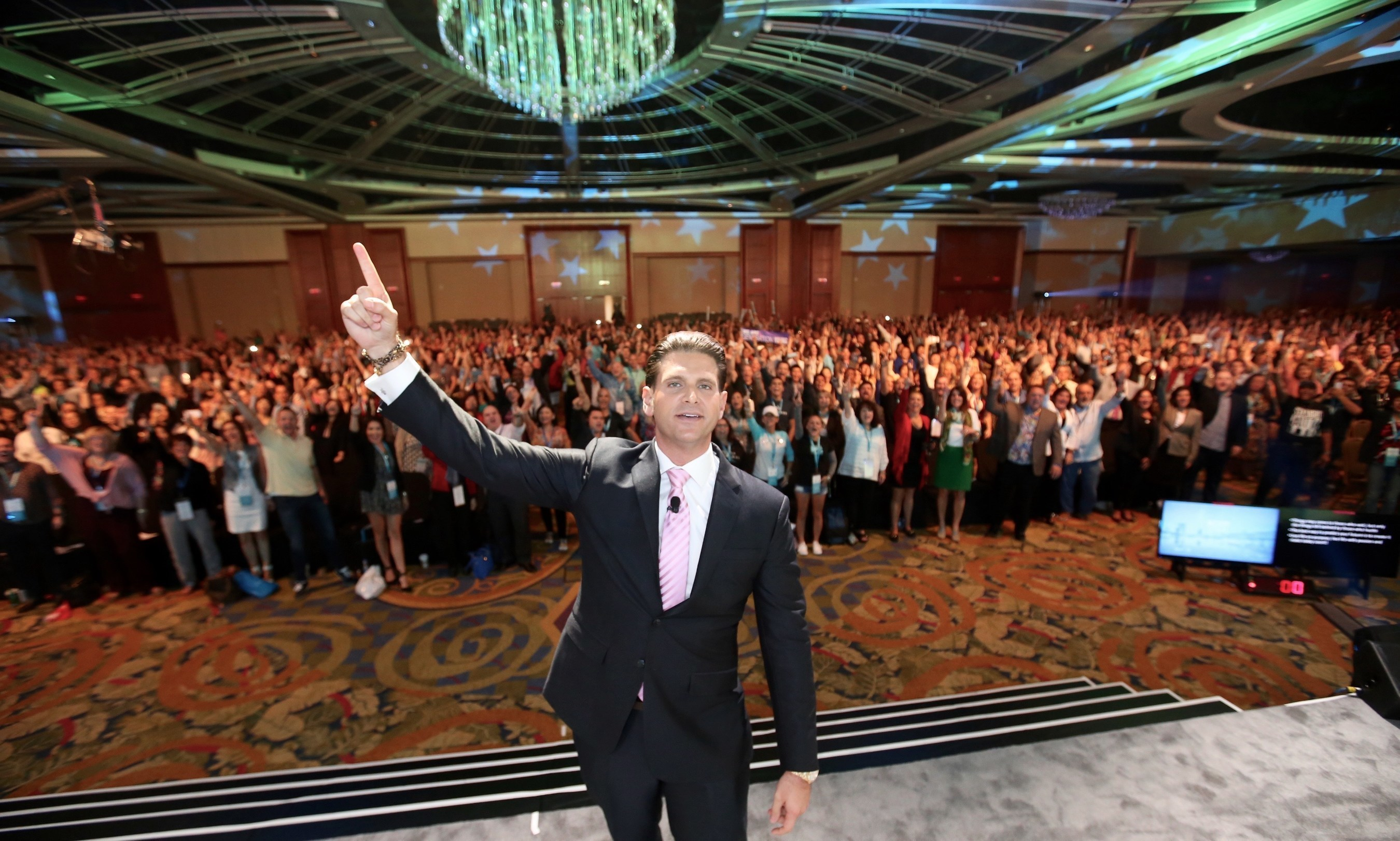 Jeunesse Convention #ONEJNS Sells Out to Crowd of Over 4,000 Independent Distributors