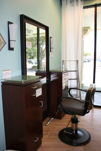 MY SALON Suite of South Tampa provides luxuriously-equipped private salon suites for high-end stylists to run their own business. (PRNewsFoto/MY SALON Suite)