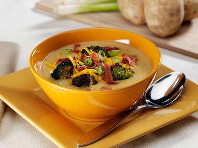Lightened-Up Loaded Baked Potato Soup.  (PRNewsFoto/United States Potato Board)