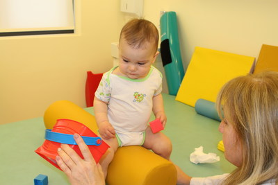 ELEPAP Infant Physical Therapy - Functional balance in sitting position
