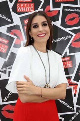 La fashionista Kika Rocha exhibe su Sonrisa de Disenador (Designer Smile(TM)) en el evento de Colgate Optic White(R) en Nueva York.