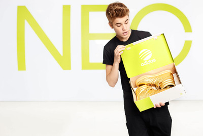 To celebrate this partnership, teens worldwide can hunt down the superstar's exclusively customized NEO gold sneakers online in a bid to win a pair and meet Justin on tour.