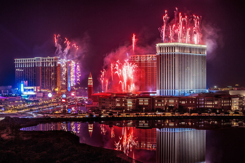 Fireworks light up Sands China's Cotai Strip resorts to ring in 2013 in Macao.  (PRNewsFoto/Sands China ...
