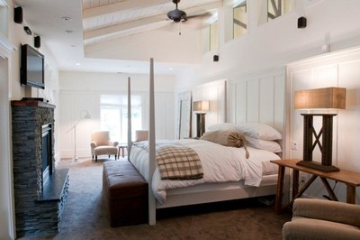 Farmhouse Inn King Deluxe room (PRNewsFoto/Farmhouse Inn)