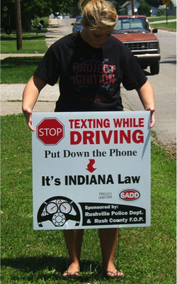 Student Taylor Mock supports Indiana's new texting ban through Project Ignition.  (PRNewsFoto/National Youth Leadership Council)