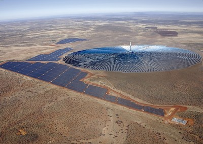 The first of its kind in Africa, the Redstone Solar Thermal Power Project features SolarReserve's world-leading molten salt energy storage technology in a tower configuration with the capability to support South Africa's demand for energy when it's needed most - day and night. The 100 MW project with 12 hours of full-load energy storage will be able to reliably deliver a stable electricity supply to more than 200,000 South African homes during peak demand periods, even well after the sun has set. (PRNewsFoto/SolarReserve)