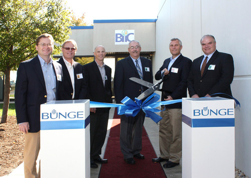 Bunge opens its ingredient innovation center in Bradley, Ill.  From left to right:  George Allard, vice president and general manager, Bunge Milling; Fred Luckey, executive vice president, Bunge North America; Rodney Perry, vice president and general manager, Bunge Oils; Bruce Adams, Mayor, Bradley, Ill.; Soren Schroder, president and CEO, Bunge North America;  and Michael Van Mill, Economic Alliance for Kankakee County.  (PRNewsFoto/Bunge North America)