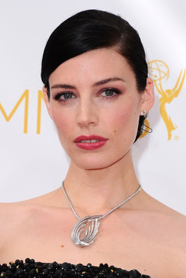 Jessica Pare celebrates in platinum jewelry at the Emmy Awards #BePlatinum (PRNewsFoto/Platinum Guild International USA)