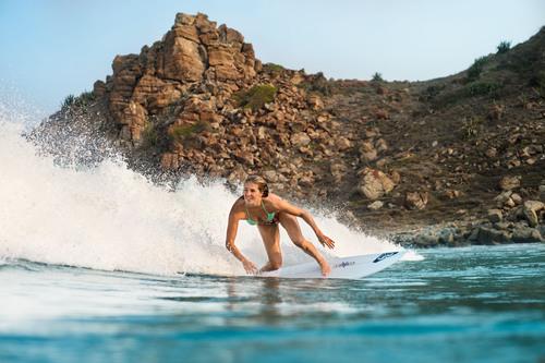 5-fache ASP-Weltmeisterin Stephanie Gilmore wechselt zum ROXY Surf Team