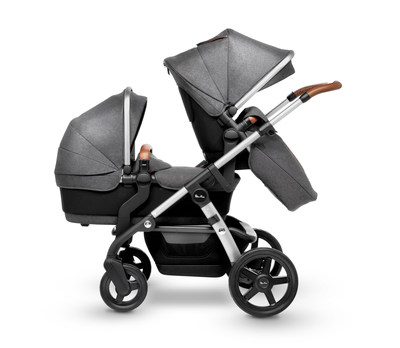 With patented One Plus One(R) technology, Silver Cross' premium Wave stroller transforms from single to tandem stroller with a total of 16 different configurations for expanding families
