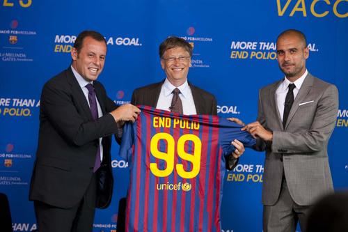 FC Barcelona and the Bill & Melinda Gates Foundation Team-up to End Polio.  (PRNewsFoto/Bill & Melinda Gates Foundation, Ralph Alswang)