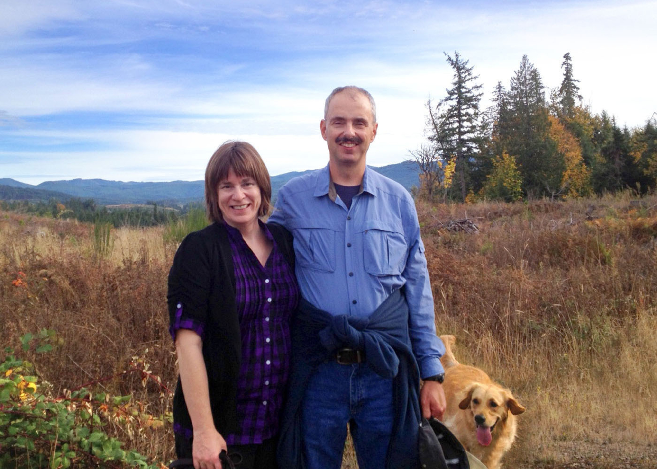 SynCardia Total Artificial Heart recipient Chris Marshall and his wife Kathy enjoy a hike in the Seattle-area one month after he received his donor heart transplant at University of Washington Medical Center.  (PRNewsFoto/SynCardia Systems, Inc.)