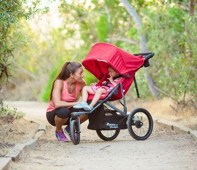 The new Zoom 360 Ultralight is lighter, stronger and better performing so active parents can get moving with a child up to 75 lbs. along for the ride.