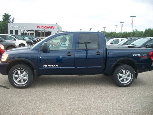 wausau wi nissan shoppers head to courtesy motors for