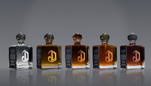 DeLeon's five variants: Diamante, Reposado, Anejo, Extra Anejo, and Leona.  (PRNewsFoto/Diageo)