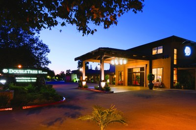 """DoubleTree by Hilton Claremont is one of three Claremont, California, hotels offering a """"Beat the Southern California Heat"""" package through October 31 (PRNewsFoto/Discover Claremont)"""