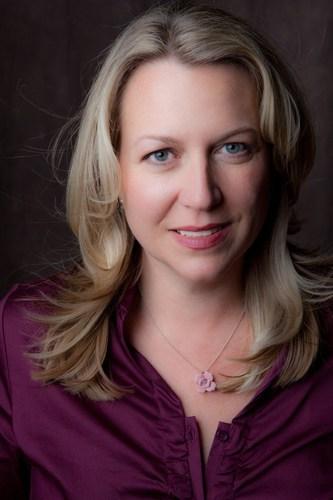 Author Cheryl Strayed (PRNewsFoto/VCFA)