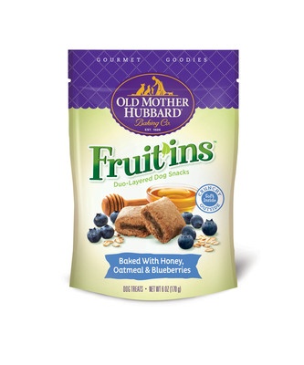 Old Mother Hubbard Gourmet Goodies Fruit'ins come in two delicious cookie and fruit layer flavors: are available in Honey, Oatmeal & Blueberries and Honey, Apple & Bacon.  (PRNewsFoto/Old Mother Hubbard)