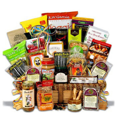 Thanksgiving Gift Baskets.  (PRNewsFoto/myreviewsnow, llc)