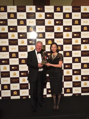 The Director of Service Delivery of Deer Jet, Ms Poon Mei Shan and The President & Founder of World Travel Awards