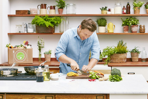HelloFresh delivers Jamie Oliver to your doorstep (PRNewsFoto/HelloFresh) (PRNewsFoto/HelloFresh)