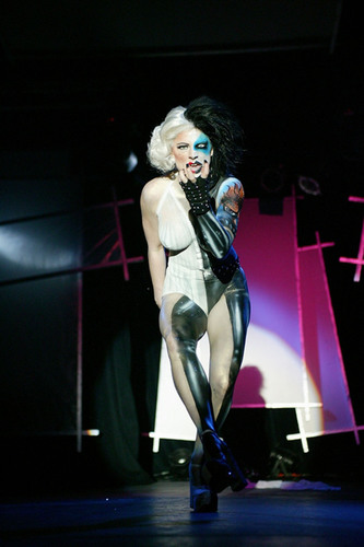 Tuaca Body Art Ball Tour Breathes New Life Into Pop Culture With Bold Performance