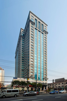 Cross Tower at Shanghai - seed project for the newly closed fund. (PRNewsFoto/Gaw Capital Partners) (PRNewsFoto/GAW CAPITAL PARTNERS)