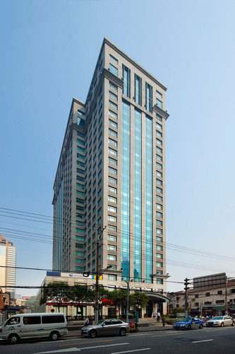 Cross Tower at Shanghai - seed project for the newly closed fund. (PRNewsFoto/Gaw Capital Partners) ...