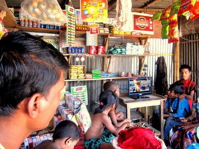 Demand for TVs and other modern appliances often drives demand for small renewable energy systems throughout the developing world. The Global LEAP awards recognize the very best, most energy-efficient color TVs and super-low energy LED room lights that are compatible with small off-grid solar energy systems. Winners of this year's Global LEAP awards will be announced on 12 May 2014 at the fifth Clean Energy Ministerial (CEM5) in Seoul, Korea. (PRNewsFoto/Clean Energy Ministerial)