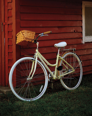 """Fulfill Mom's Mother's Day wish list with unique gifts from Lands' End - like the exclusive, All-American """"Kate"""" Schwinn bicycle.  (PRNewsFoto/Lands' End)"""