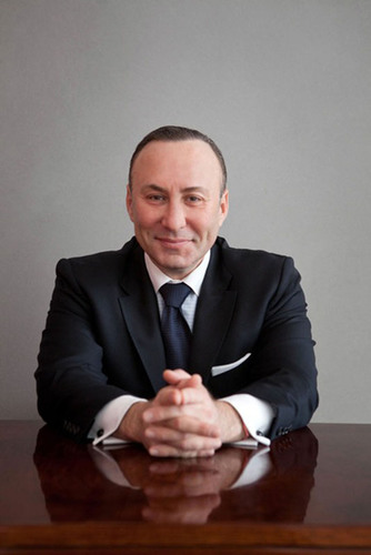 Dr. Dimitry Rabkin, Director of Esthetica MD, appointed Director, Minimally Invasive Facial Rejuvenation, Lenox Hill Hospital. Dr. Rapkin is an expert in facial analysis and aesthetic medicine. He provides natural-looking, age-reversing, customized facial aesthetic services at Lenox Hill Hospital in NY and at Esthetica MD, a state-of-the-art center in Englewood, NJ. (PRNewsFoto/Esthetica MD) (PRNewsFoto/ESTHETICA MD)
