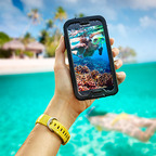 LifeProof nuud for GALAXY S 4 provides waterproof protection yet still allows direct access to the touch screen.  (PRNewsFoto/LifeProof)