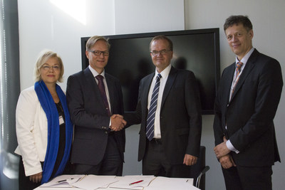 Tekes - the Finnish Funding Agency for Innovation and IBM sign a landmark collaboration that will enable Finland to utilize Watson cognitive computing across its health ecosystem. From left to right: Maarit Palo (IBM), Tuomo Haukkovaara (IBM), Pekka Soini (Tekes), Mika Lautanala (Tekes)