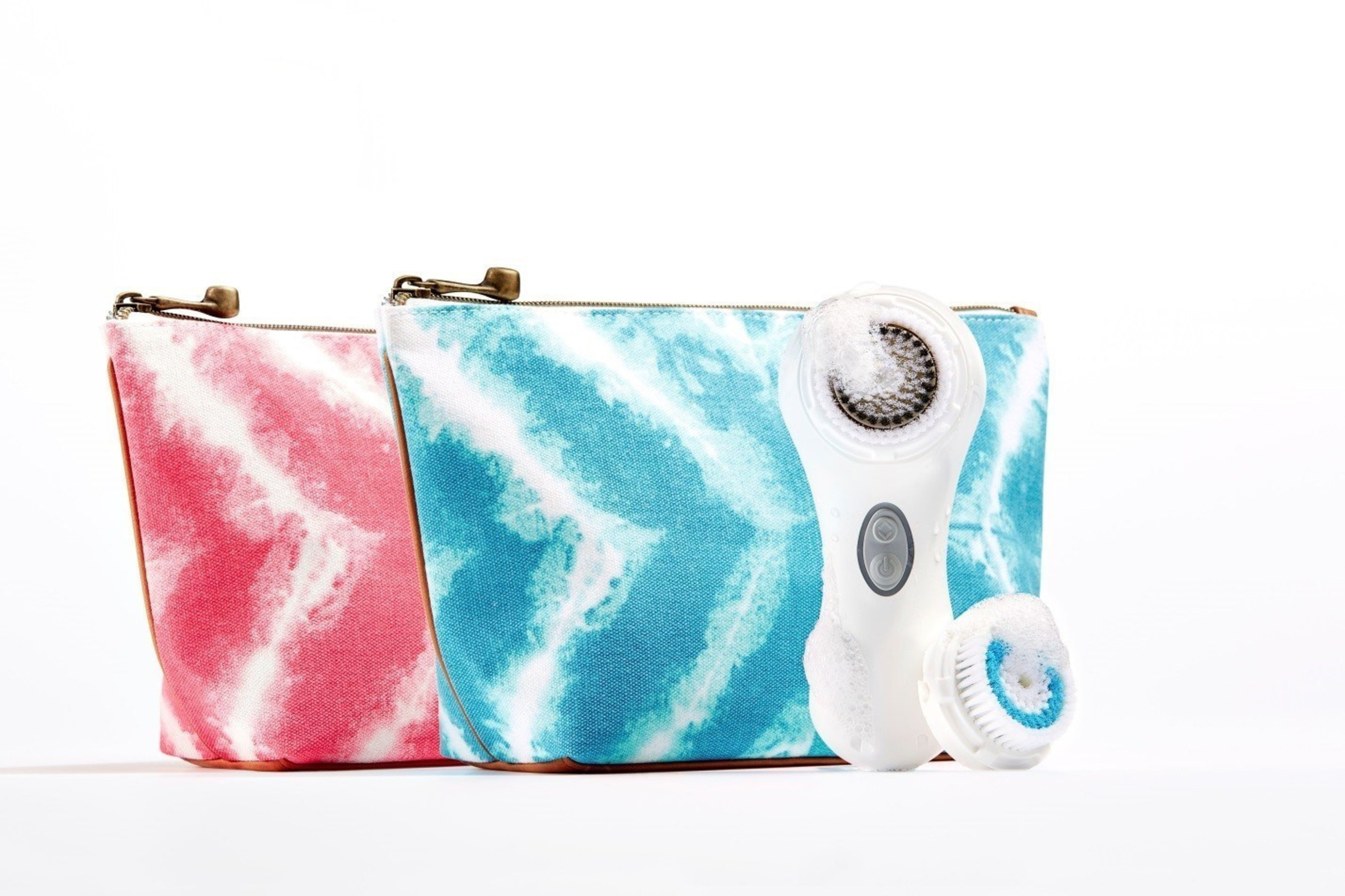 Just in time for the summer, Clarisonic is launching its Mia 2 Summer Batik Beauty Bag Collection in turquoise or pink, great for any beach bag or carry on.