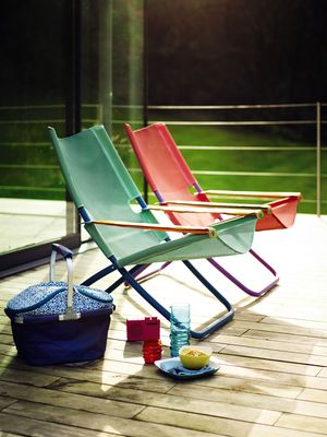 p25 Emu Snooze Chairs.jpg - the caption is: Emu Snooze Chairs