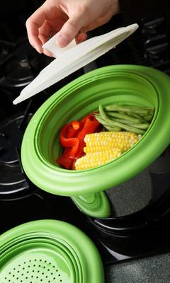 William Bounds Sili Gourmet(TM) Sili Steamer Basket.  (PRNewsFoto/William Bounds)