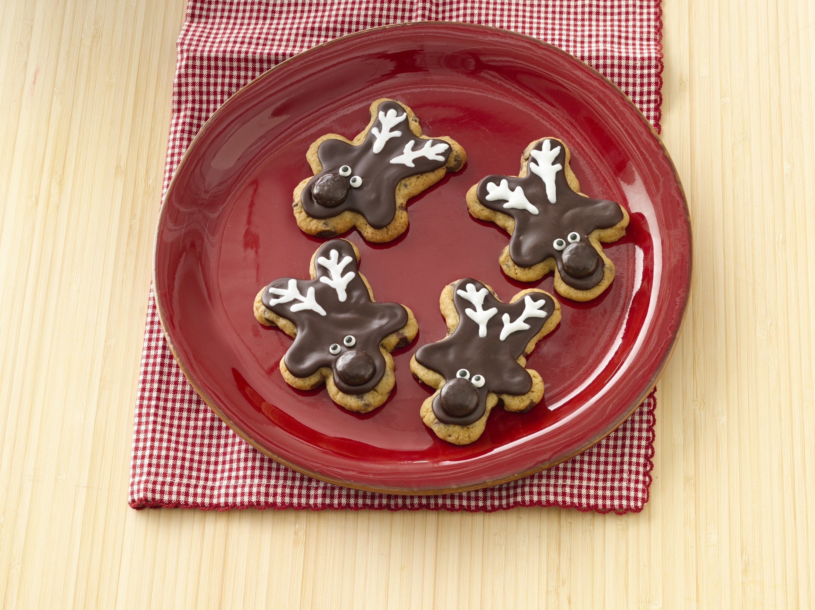 #GetYourBettyOn this holiday season with top cookie recipes for kids and how-to tips at BettyCrocker.com/KidsCookieCorner.