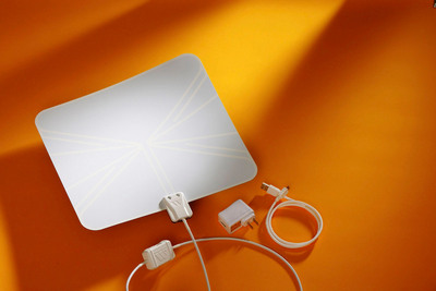 The FlatWave Amped indoor HDTV antenna, by Winegard, enables consumers to get all the top-rated broadcast TV shows for free in 1080 high definition, the best picture quality currently available.  It supplements cable or satellite TV services, or can replace them altogether, saving consumers nearly $1,200 a year.  (PRNewsFoto/Winegard Company)