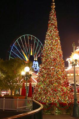 Christmas 2015 At Disney ksix2 7aQKq05n