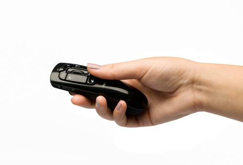 Hillcrest Labs and SMK Electronics Unveil New Scoop Pointer Remote Control at CES 2013.  (PRNewsFoto/Hillcrest Labs)