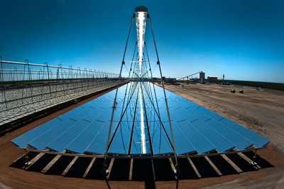 AREVA Solar's CFLR Technology featured at SSG4 Kimberlina Solar Thermal Power Plant. (PRNewsFoto/AREVA Solar)