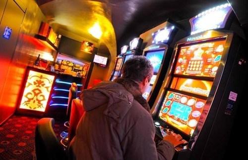 Casino Online (PRNewsFoto/Sixlab srls) (PRNewsFoto/Sixlab srls)