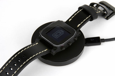 Powered by Atmel microcontrollers, the AGENT smart watch, can be re-charged wirelessly.  (PRNewsFoto/Atmel Corporation)