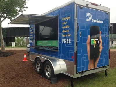 The innovative mobile charging station comes equipped with 240-watt solar panels that can keep up to 100 devices charged simultaneously and charge backup batteries. It is also outfitted with two integrated 65-inch monitors and a 500-watt audio system to provide event updates while users charge their devices.