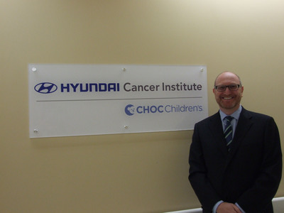 Dr. Leonard Sender, Medical Director, Hyundai Cancer Institute at CHOC Children's.  (PRNewsFoto/Hyundai Motor America)