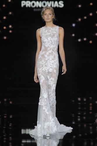 Romee Strijd in Nesta dress - Pronovias Fashion Show. (PRNewsFoto/PRONOVIAS)