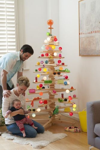 A stylish and sustainable, decorated timbatree (PRNewsFoto/Timbatree)