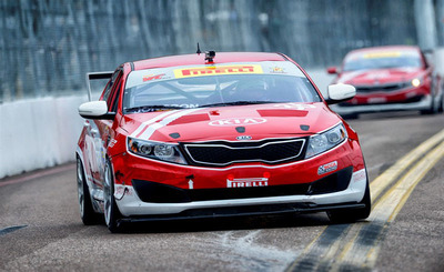 Kia Racing eyes Pirelli World Challenge GTS points lead heading into Detroit.  (PRNewsFoto/Kia Motors America)
