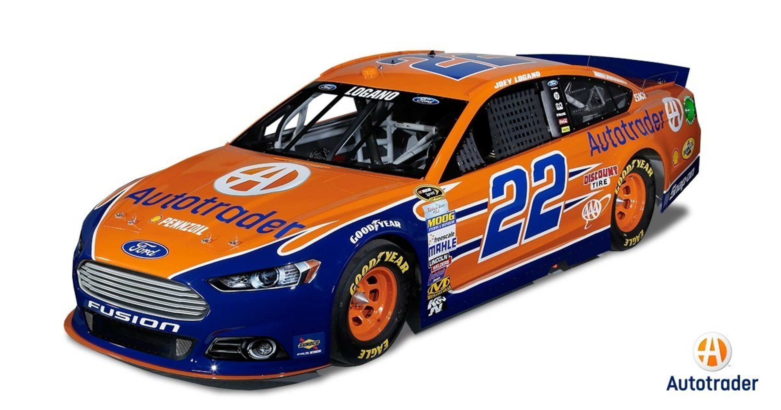 Autotrader Enlists Stars of 'The Dukes of Hazzard' to Celebrate the Company's New Logo at Bristol Motor Speedway